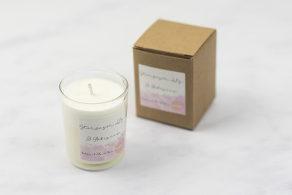 Moi-Meme Stargazer Lily and Hibiscus 9 cl Votive Candle