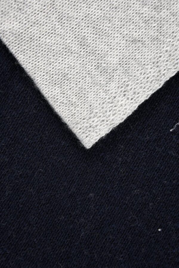 Navy Cream and Grey Cashmere Blend Scarf Detail